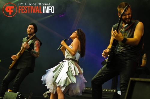 Within Temptation op Bospop 2013 foto