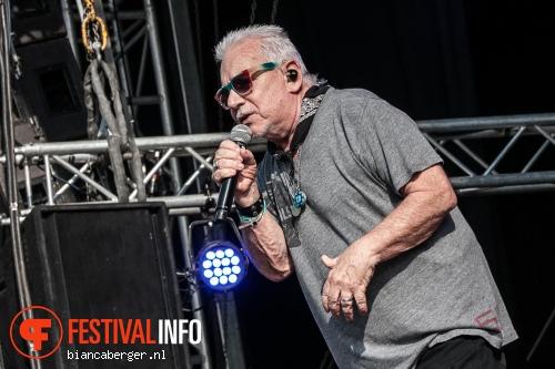 Eric Burdon & The Animals op Zwarte Cross 2013 - dag 2 foto