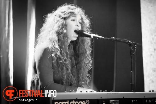 Rae Morris op Songbird 2013 - Dag 1 foto