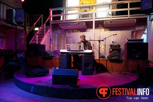 Mammane Sani: La Musique Electronique du Niger op Le Guess Who? 2013 - dag 3 foto