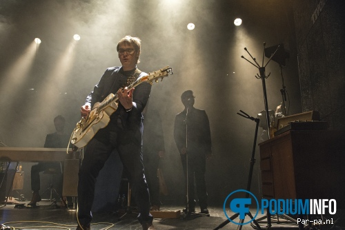 Hooverphonic op Hooverphonic - 10/4 - Tivoli Oudegracht foto