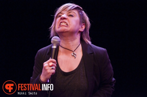 Foto Soula Notos op Utrecht International Comedy Festival 2014