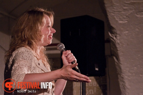 Jennifer Evenhuis op Utrecht International Comedy Festival 2014 foto
