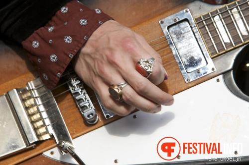 DeWolff op Bevrijdingsfestival Overijssel 2014 foto