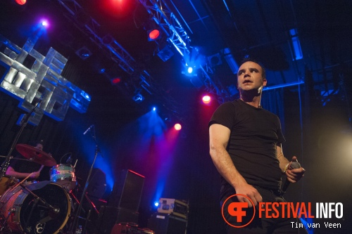 Future Islands op Le Guess Who? May Day 2014 foto