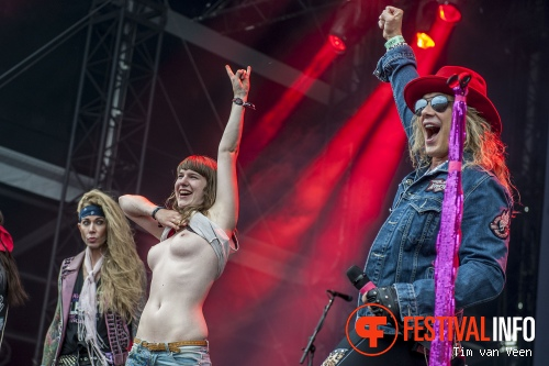 Steel Panther op Graspop Metal Meeting 2014 dag 1 foto