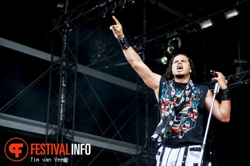 Jeff Scott Soto op Graspop Metal Meeting 2014 dag 1 foto