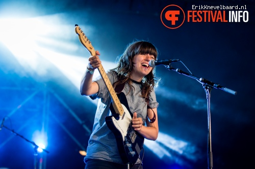 Foto Courtney Barnett op Down The Rabbit Hole 2014 dag 3