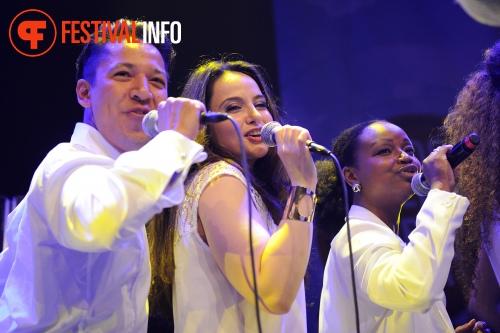 ZO! Gospel Choir op De Wereld Draait Buiten 2014 foto