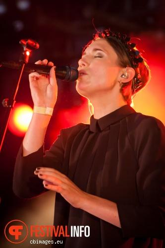 Womans Hour op Metropolis Festival 2014 foto