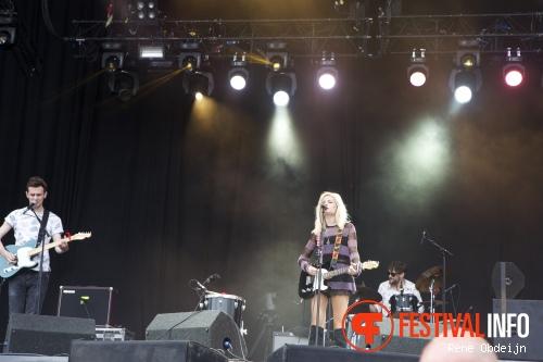 Nina Nesbitt op Suikerrock 2014 foto