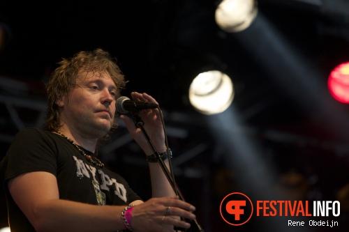 Foto Ruben Hoeke Band op Bluesrock Tegelen 2014