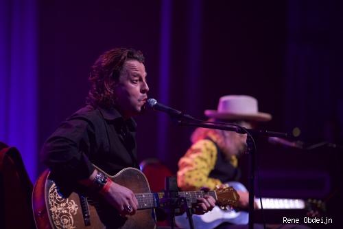 Foto Ian Siegal op Bluesfestival Hoogeveen 2014