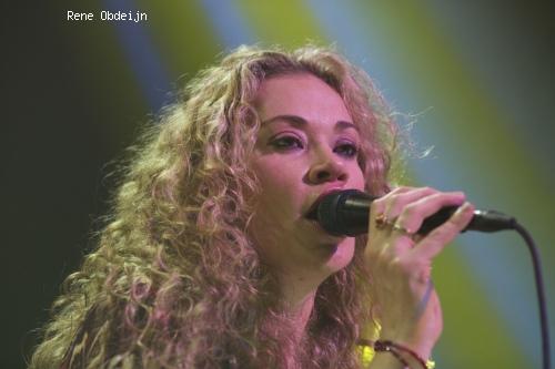 Foto Dana Fuchs op Bluesfestival Hoogeveen 2014