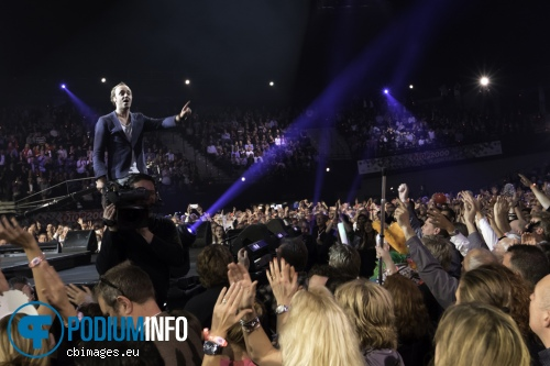 Foto Niels Geusebroek op Top 2000 in concert