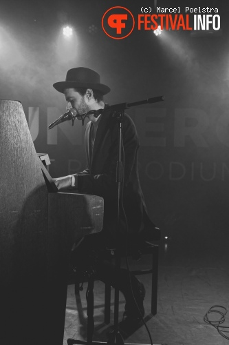 Foto Finn Andrews op Festival Stille Nacht 2014