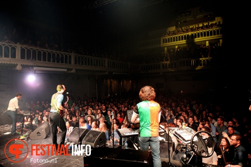 De Staat op Pinguins in Paradiso - 04/04 - Paradiso Amsterdam foto