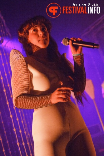 Foto Purity Ring op Motel Mozaique 2015