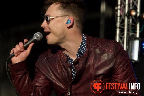 Handsome Poets op Bevrijdingsfestival Overijssel 2015 foto