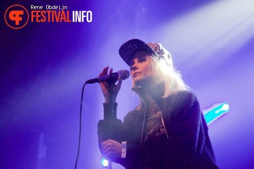 The Asteroids Galaxy Tour op Bevrijdingsfestival Overijssel 2015 foto