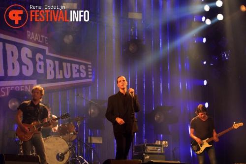 Ruben Hoeke op Ribs & Blues Festival 2015 foto