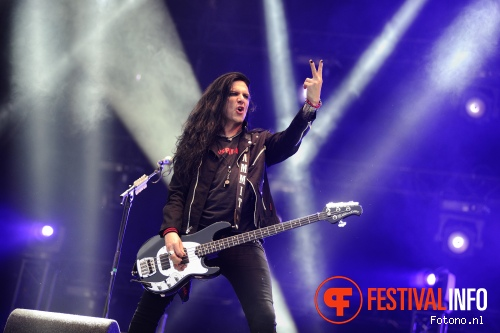 Foto Slash feat. Myles Kennedy & The Conspirators op Pinkpop 2015 - Vrijdag