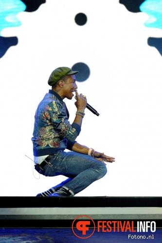 Pharrell Williams op Pinkpop 2015 - Zondag foto