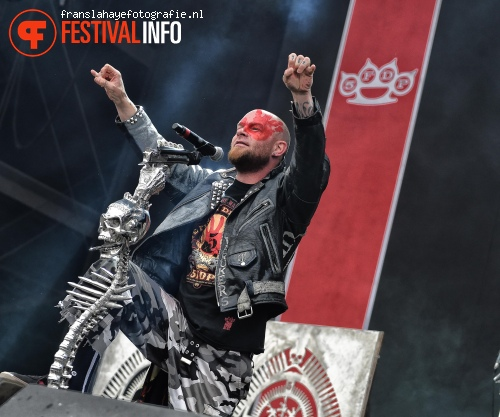 Foto Five Finger Death Punch op Graspop Metal Meeting 2015