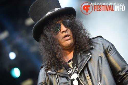 Foto Slash feat. Myles Kennedy & The Conspirators op Graspop Metal Meeting 2015