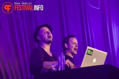 Pamb & Harsh op We Are Electric 2015 foto