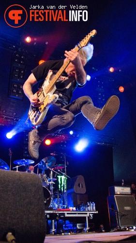 Strung Out op Jera On Air 2015 - Zaterdag foto
