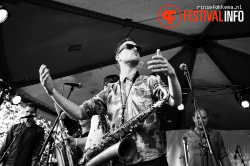 Foto Broken Brass op Festival Mundial 2015