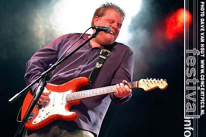 Danny Bryant's RedEyeBand op Moulin Blues 2007 foto
