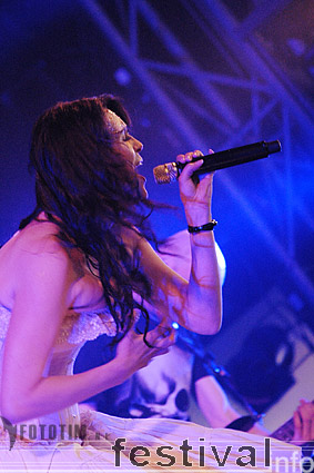 Foto Within Temptation op Dauwpop 2007