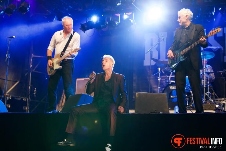 Dr Feelgood op Bluesrock Festival Tegelen 2015 foto