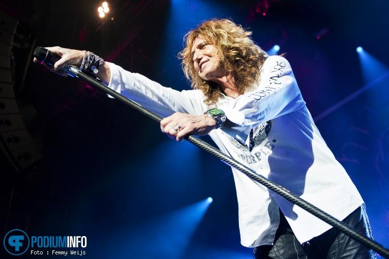 Foto Whitesnake op Whitesnake - 2/12 - TivoliVredenburg