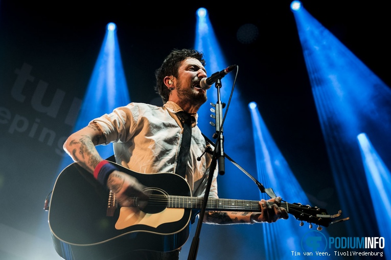 Foto Frank Turner & The Sleeping Souls op Frank Turner - 10/1 - TivoliVredenburg