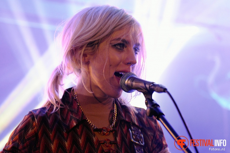 Black Honey op Eurosonic Noorderslag 2016 - Donderdag foto