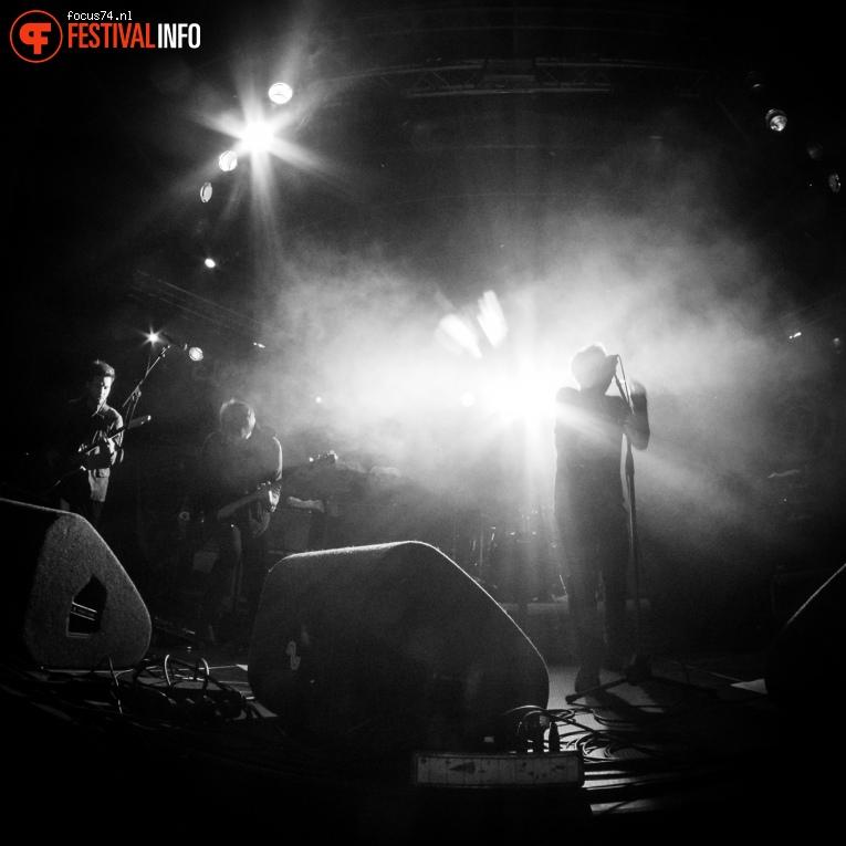 Nothing But Thieves op Eurosonic Noorderslag 2016 - Vrijdag foto