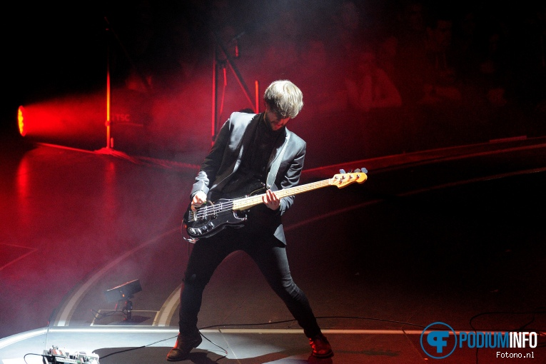 Foto Nothing But Thieves op Muse - 07/03 - Ziggo Dome