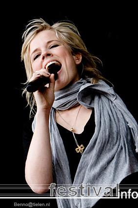 Foto Ilse DeLange op Indian Summer Festival 2007