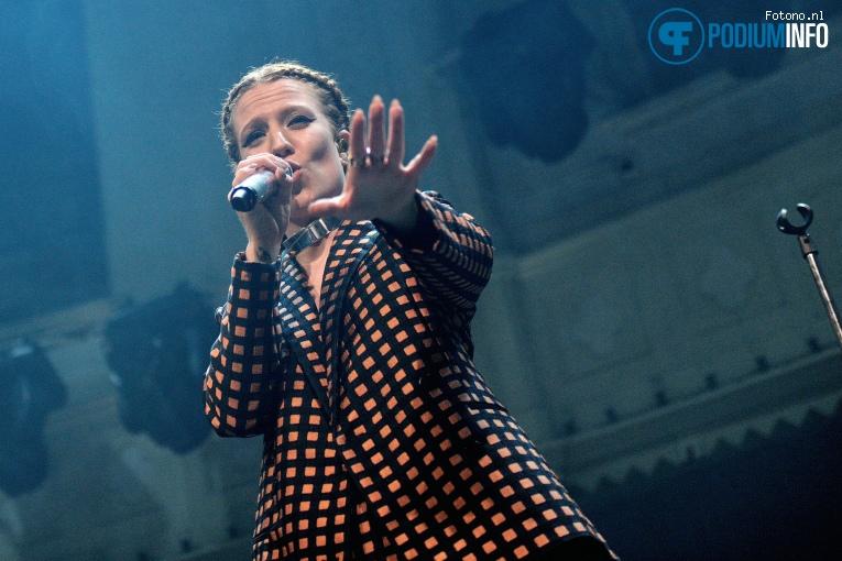 Jess Glynne op Jess Glynne - 13/03 - Paradiso foto