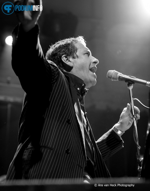 Foto Jools Holland & His R&B Orchestra op Jools Holland - 09/04 - Paradiso
