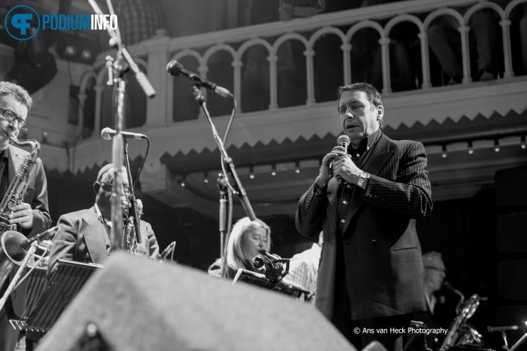 Jools Holland & His R&B Orchestra op Jools Holland - 09/04 - Paradiso foto
