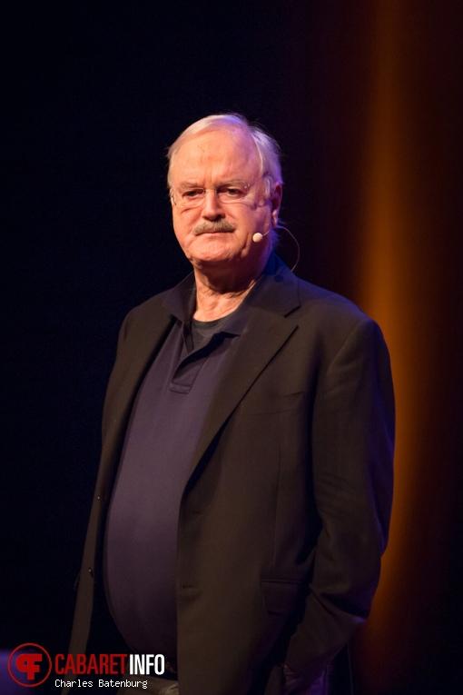 Foto John Cleese op John Cleese - Nieuwe Luxor Theater - 24-04-2016