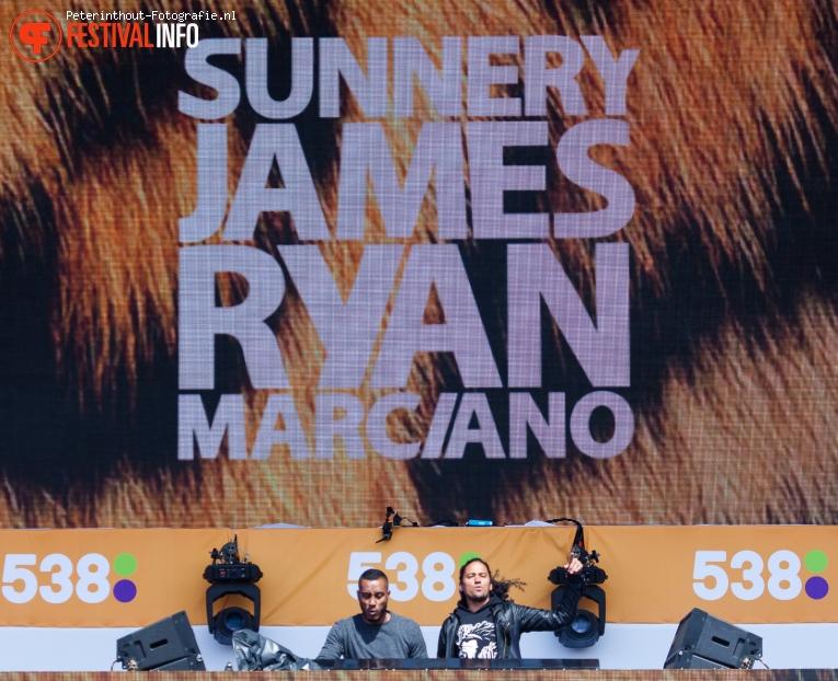 Sunnery James & Ryan Marciano op 538 Koningsdag 2016 foto
