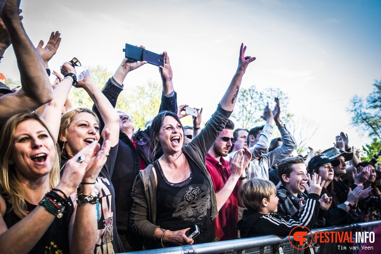 Juliette and the Licks op Bevrijdingsfestival Utrecht 2016 foto
