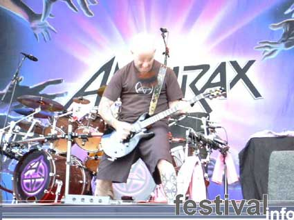 Anthrax op Waldrock 2003 foto