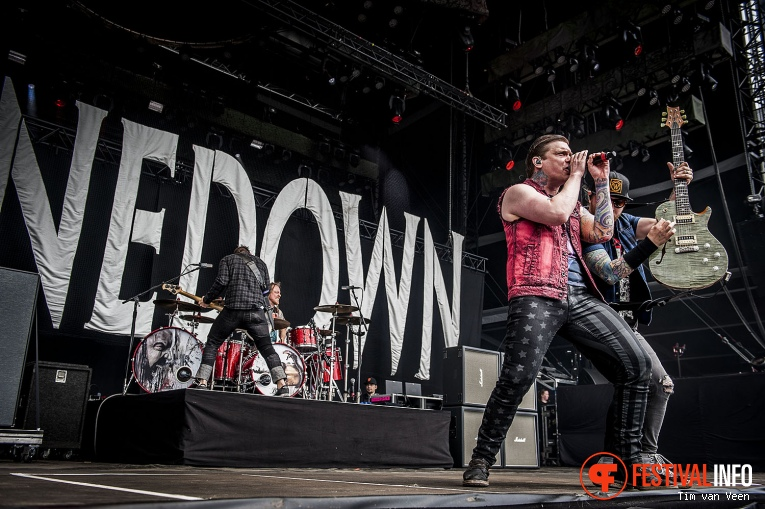 Shinedown op Graspop Metal Meeting 2016 dag 3 foto