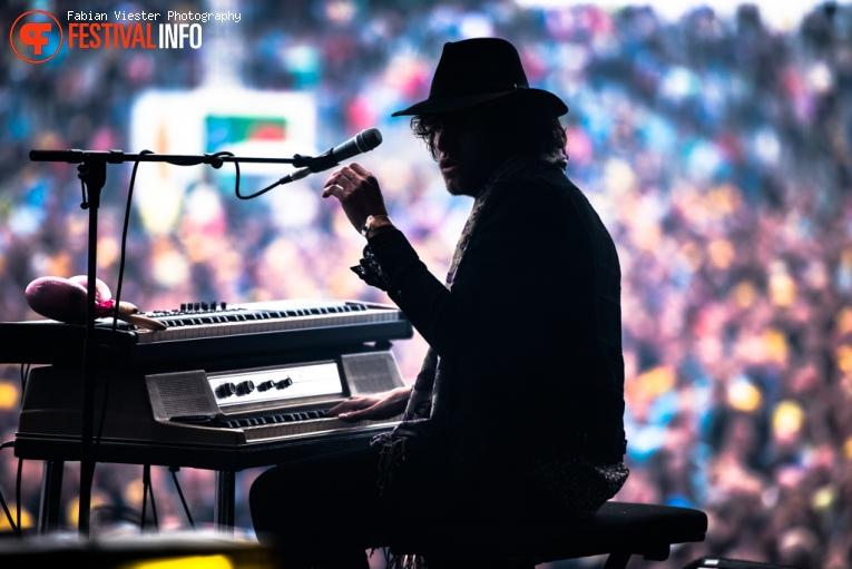 Douwe Bob op Concert at Sea 2016 - Vrijdag foto